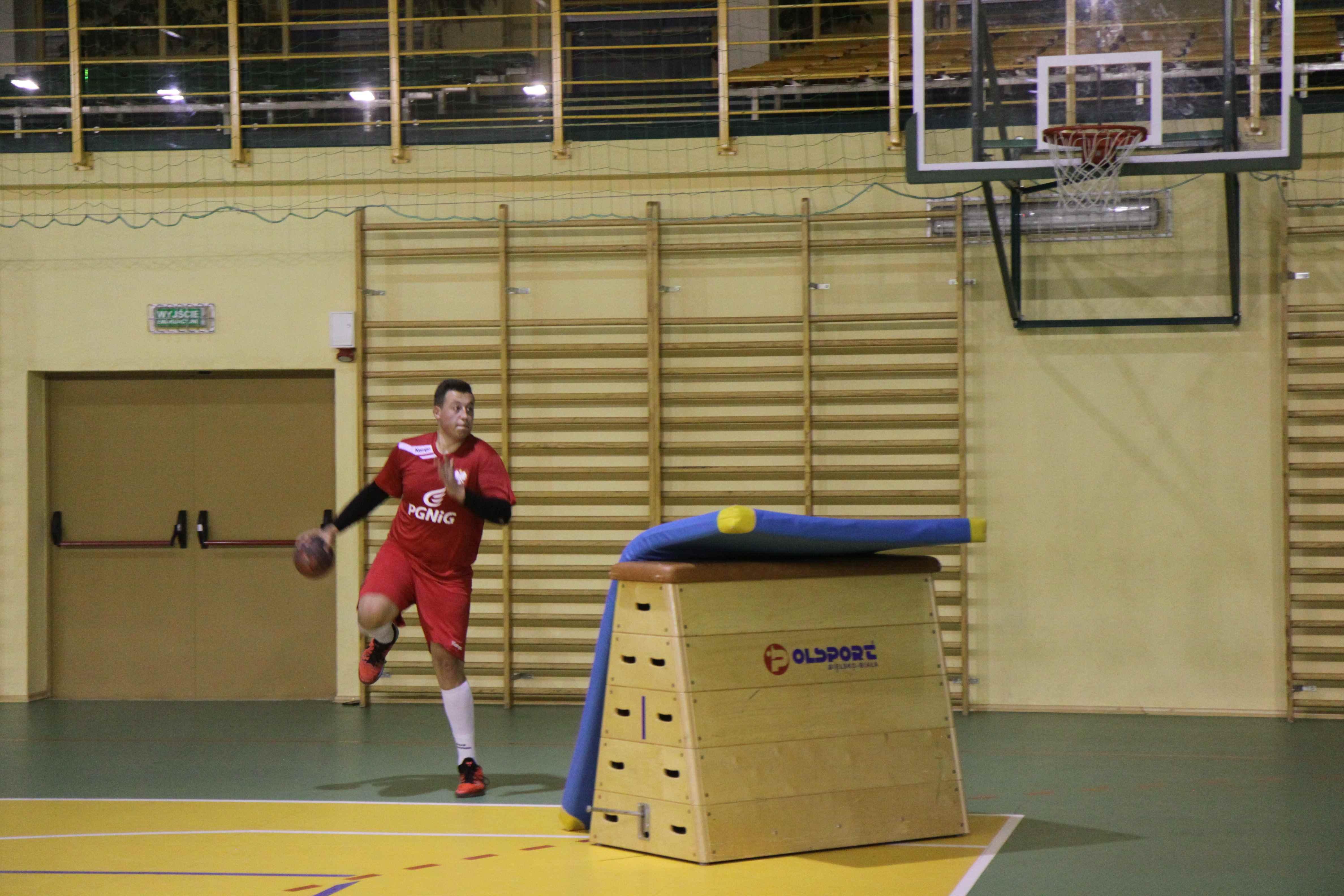 obóz piłki ręcznej i zajęcia